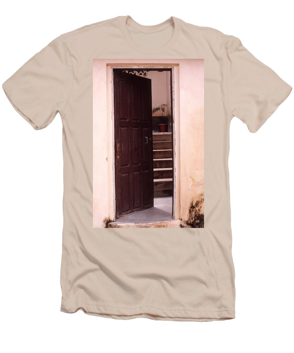 Bahia Men's T-Shirt (Athletic Fit) featuring the photograph Bahian Opening by Patrick Klauss