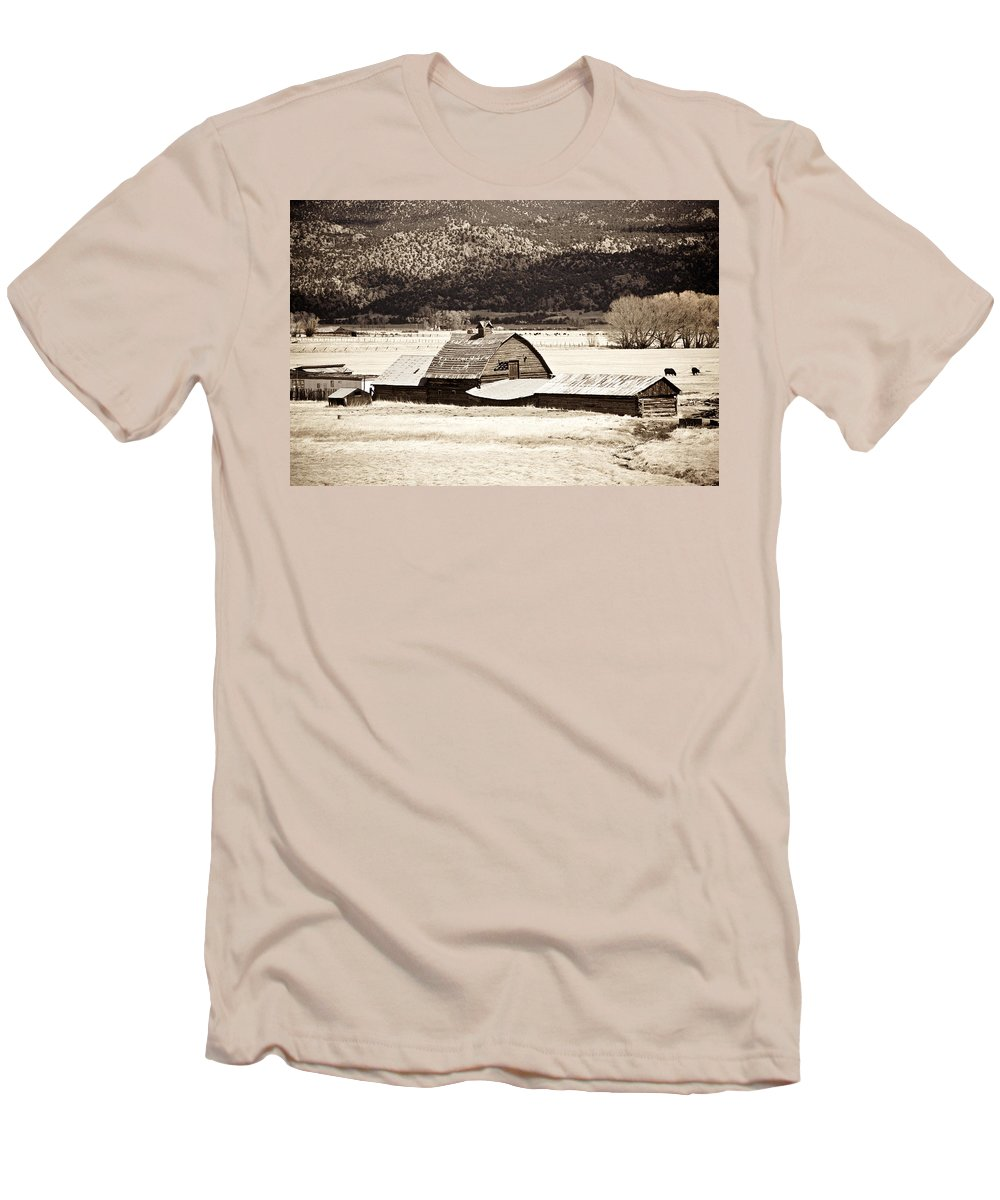 Americana Men's T-Shirt (Athletic Fit) featuring the photograph Down On The Farm by Marilyn Hunt