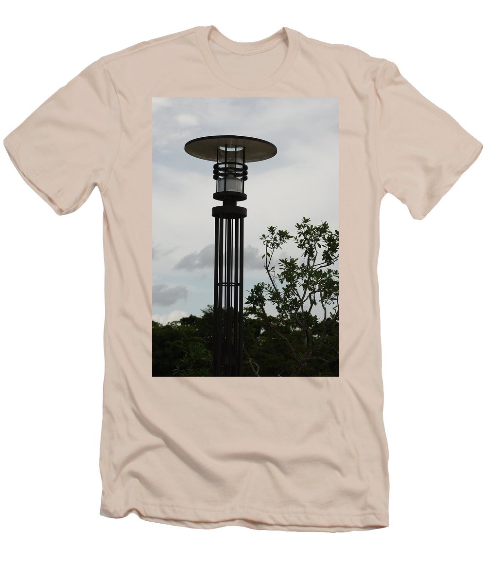 Street Lamp Men's T-Shirt (Athletic Fit) featuring the photograph Japanese Street Lamp by Rob Hans