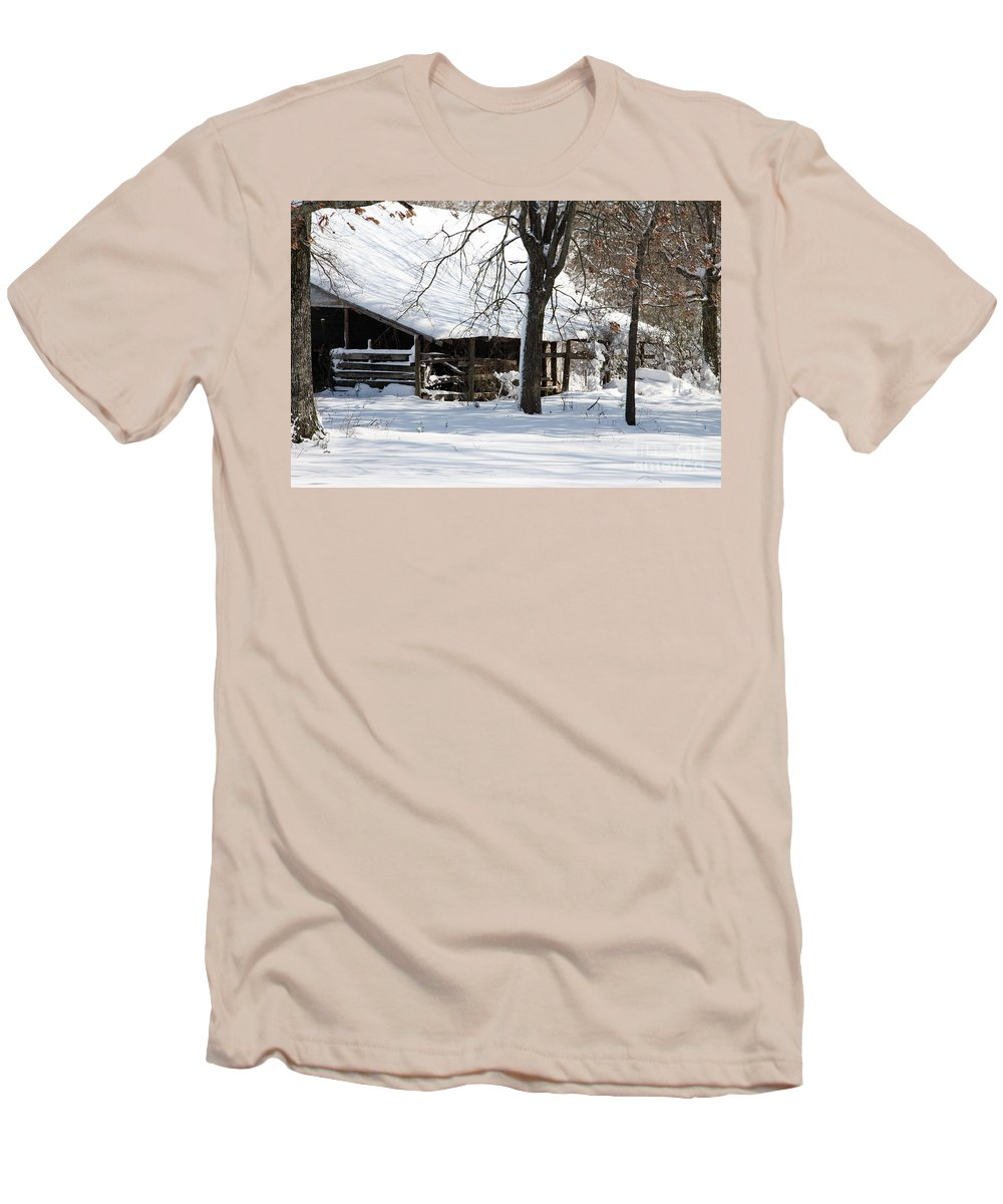 Rural Men's T-Shirt (Athletic Fit) featuring the photograph Wrapped In Silence by Amanda Barcon