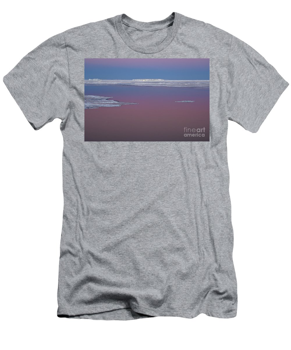 Sky Men's T-Shirt (Athletic Fit) featuring the photograph Antarctica by John Shaw