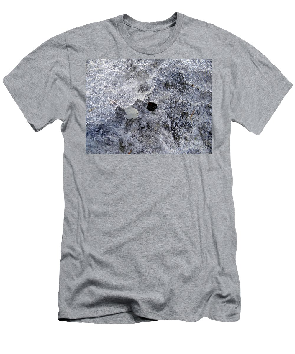 Winter Men's T-Shirt (Athletic Fit) featuring the photograph Untitled by Ed Weidman