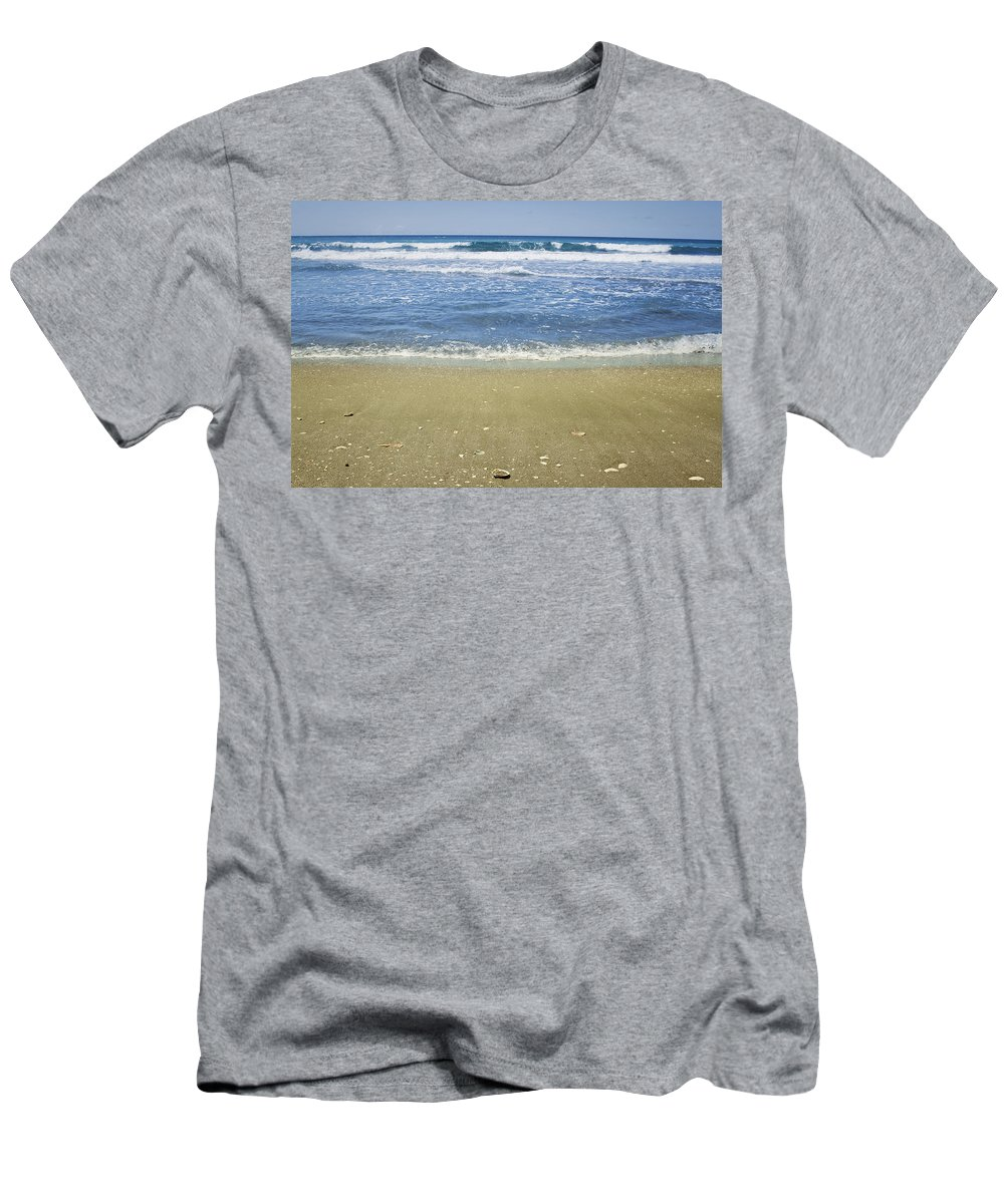 Beautiful Men's T-Shirt (Athletic Fit) featuring the photograph Beach by Les Cunliffe