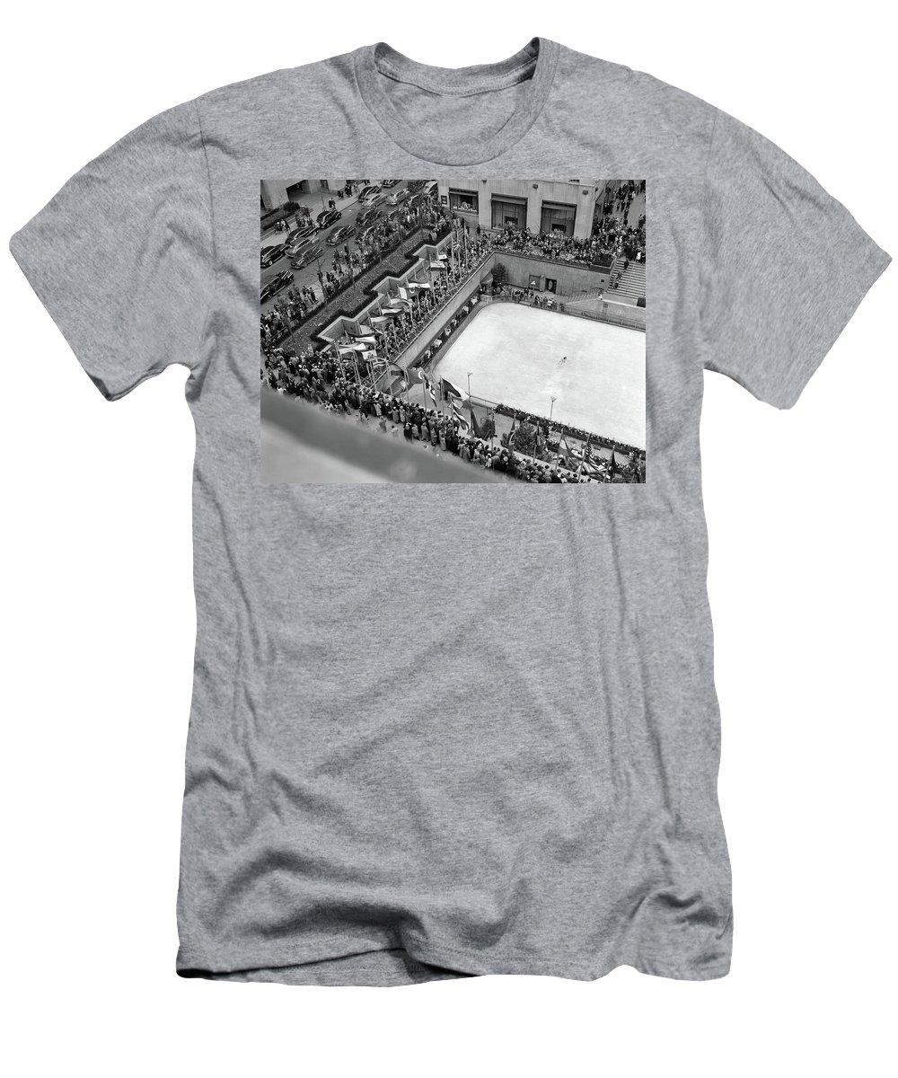 30 Rockefeller Plaza T-Shirts