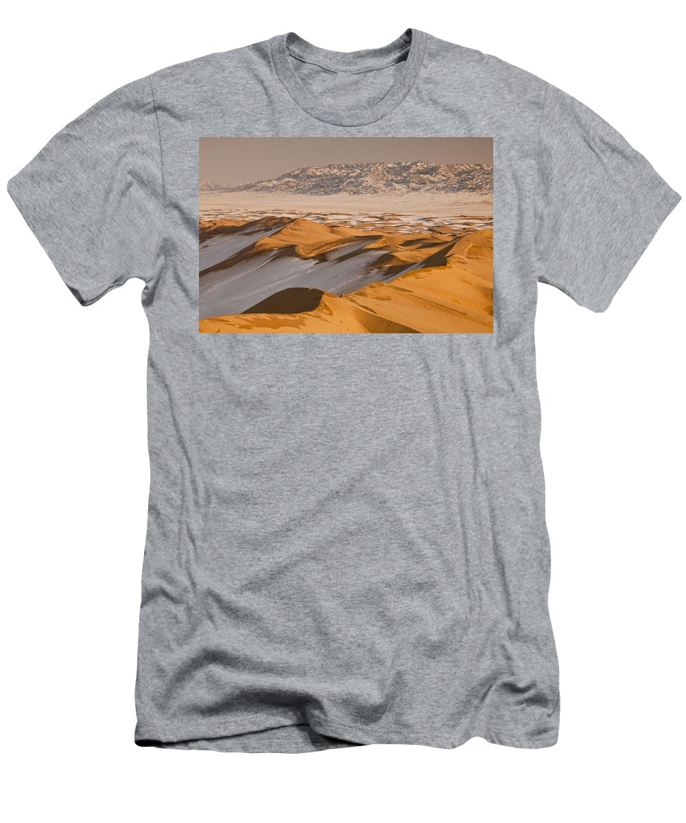 Feb0514 Men's T-Shirt (Athletic Fit) featuring the photograph Khongor Sand Dunes In Winter Gobi Desert by Colin Monteath