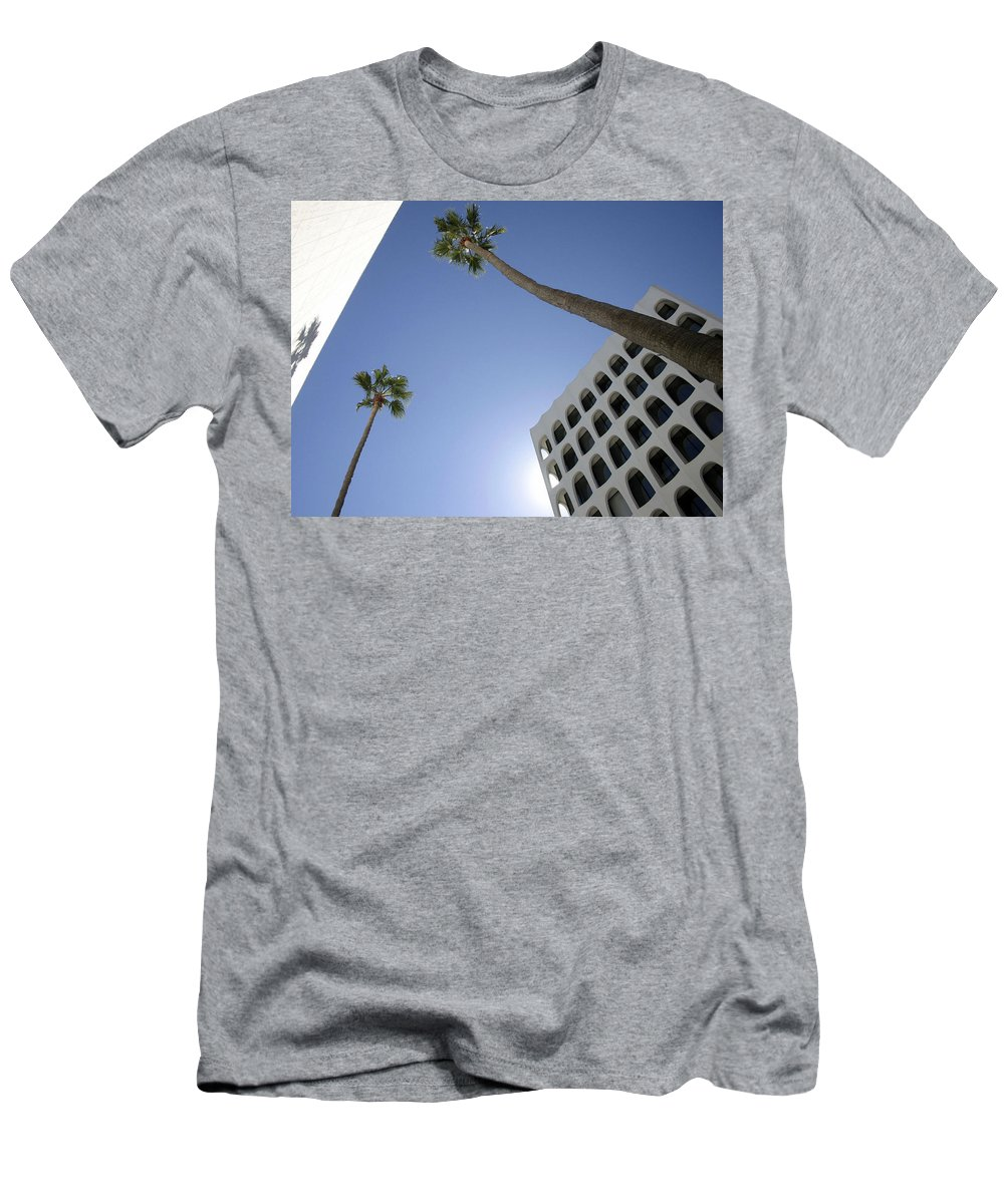 Beverly Hills Men's T-Shirt (Athletic Fit) featuring the photograph Looking Up In Beverly Hills by Cora Wandel