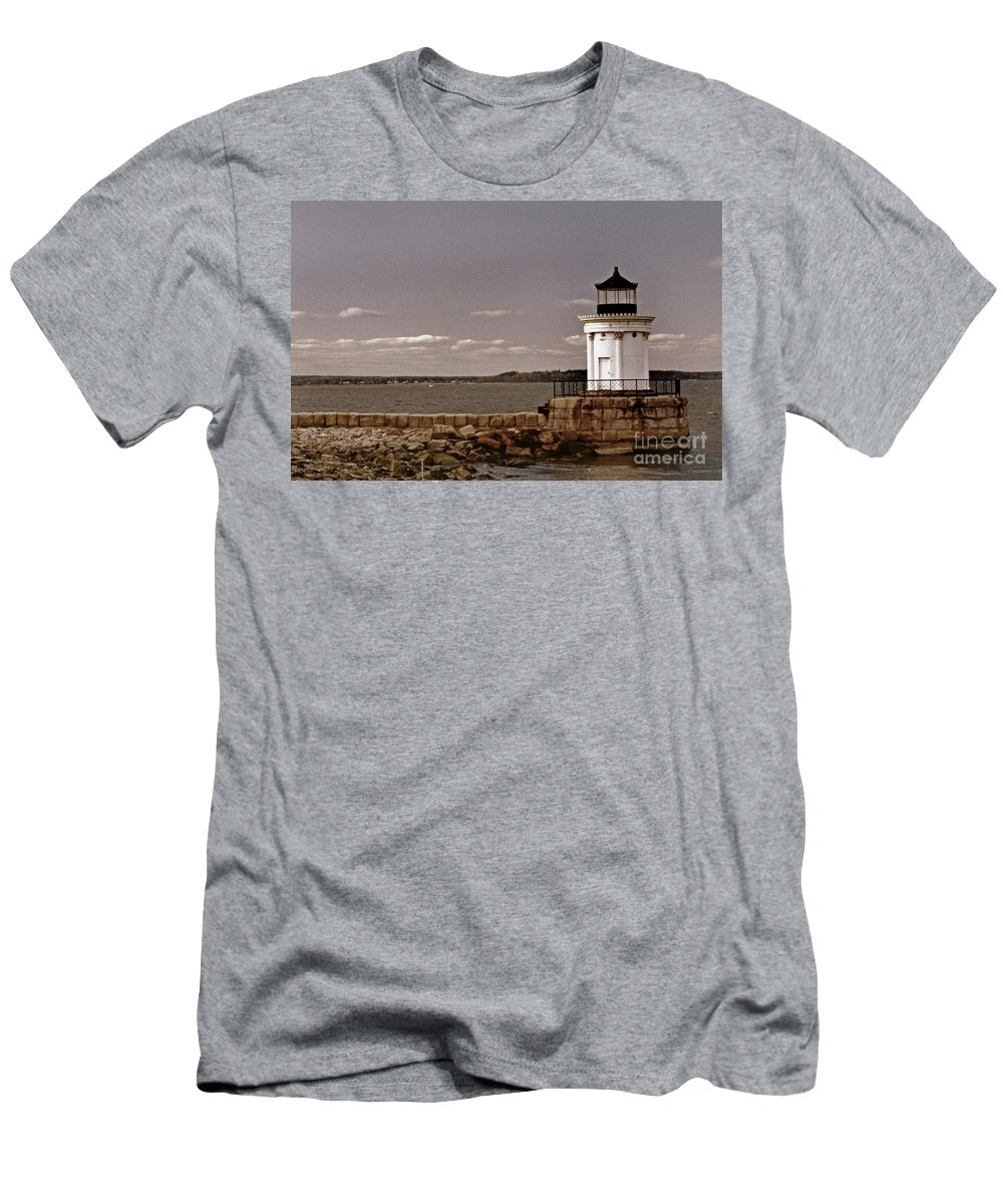 Lighthouses Men's T-Shirt (Athletic Fit) featuring the photograph Portland Breakwater Lighthouse by Skip Willits
