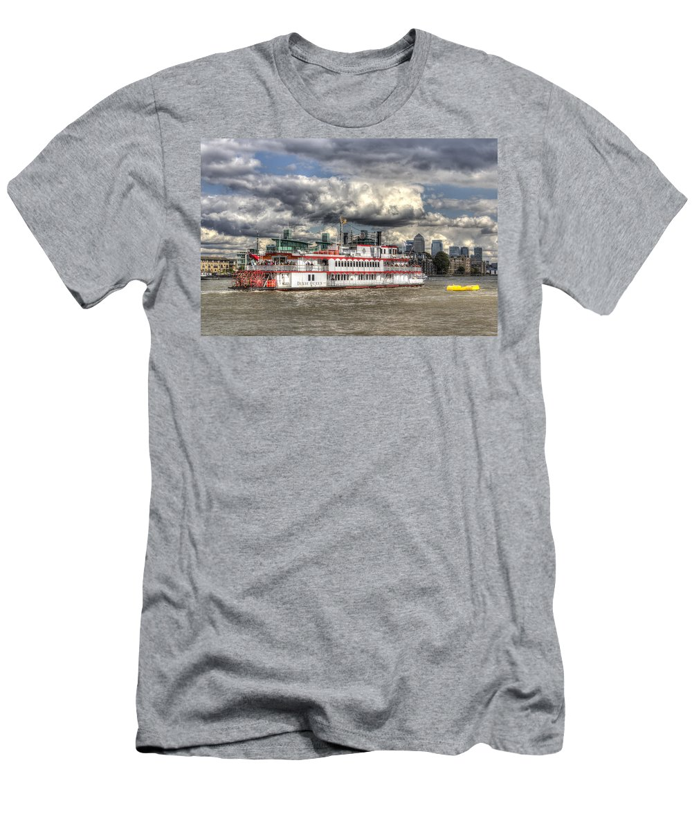 Canary Wharf Men's T-Shirt (Athletic Fit) featuring the photograph The Dixie Queen Paddle Steamer by David Pyatt