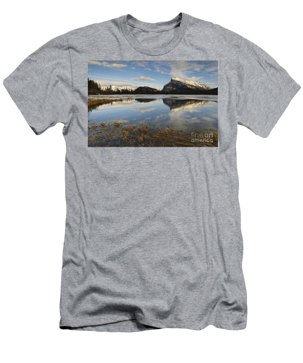 Nature Men's T-Shirt (Athletic Fit) featuring the photograph Mt. Rundle And Vermillion Lake by John Shaw