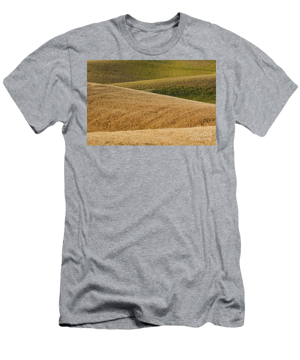 Farm Men's T-Shirt (Athletic Fit) featuring the photograph Wheat Field by John Shaw