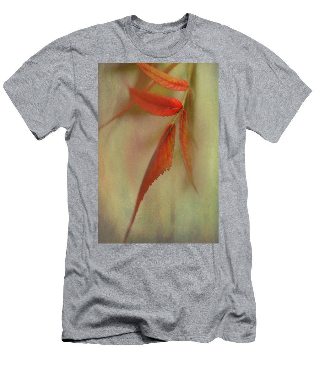Macro Men's T-Shirt (Athletic Fit) featuring the photograph A Touch Of Autumn by Annie Snel