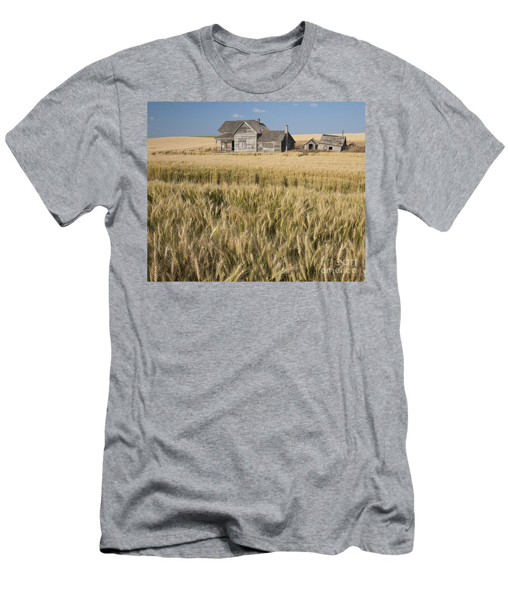 America Men's T-Shirt (Athletic Fit) featuring the photograph Abandoned Farmhouse In Wheat Field by John Shaw