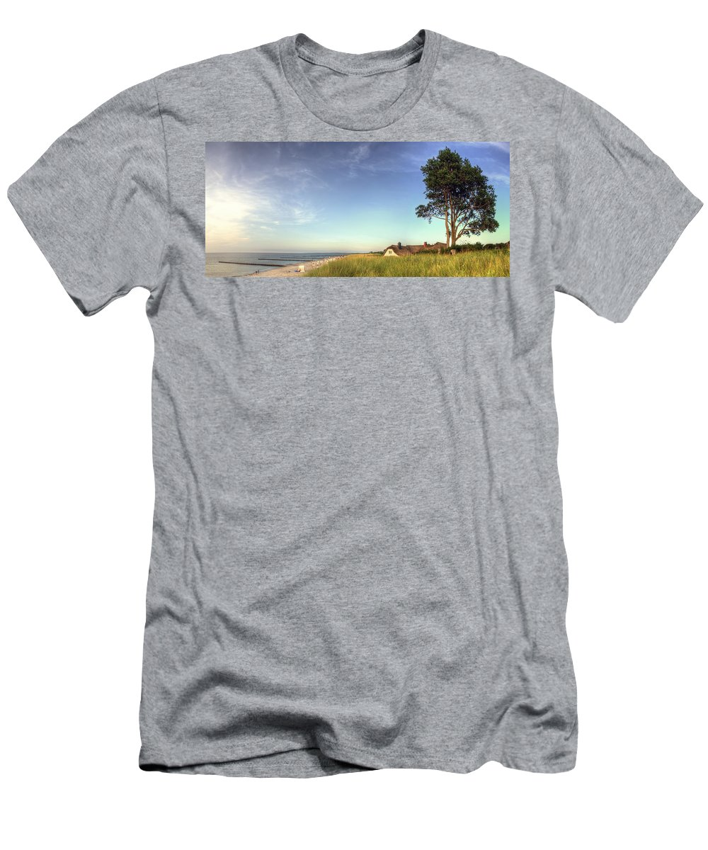 Ostsee Men's T-Shirt (Athletic Fit) featuring the pyrography Ahrenshoop by Steffen Gierok