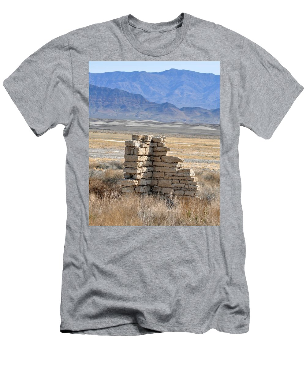 Ruins Men's T-Shirt (Athletic Fit) featuring the photograph All That's Left by Patricia Quandel