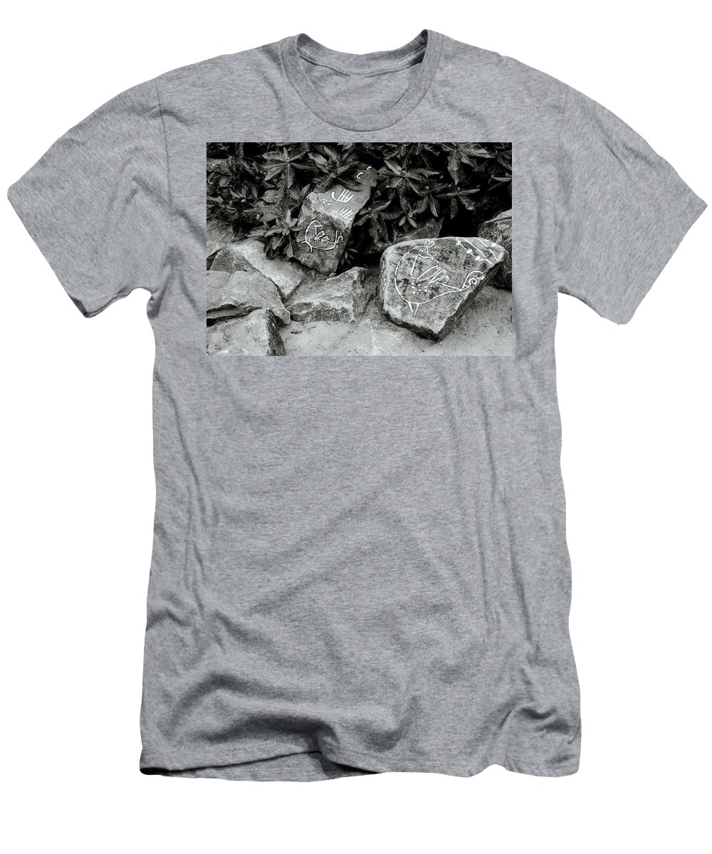 Rock Men's T-Shirt (Athletic Fit) featuring the photograph Art In Kochi by Shaun Higson