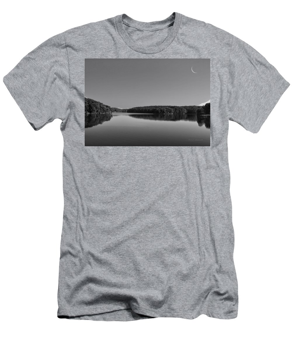 Black And White Men's T-Shirt (Athletic Fit) featuring the photograph Autumn Moon At Argyle Lake Bw by Thomas Woolworth