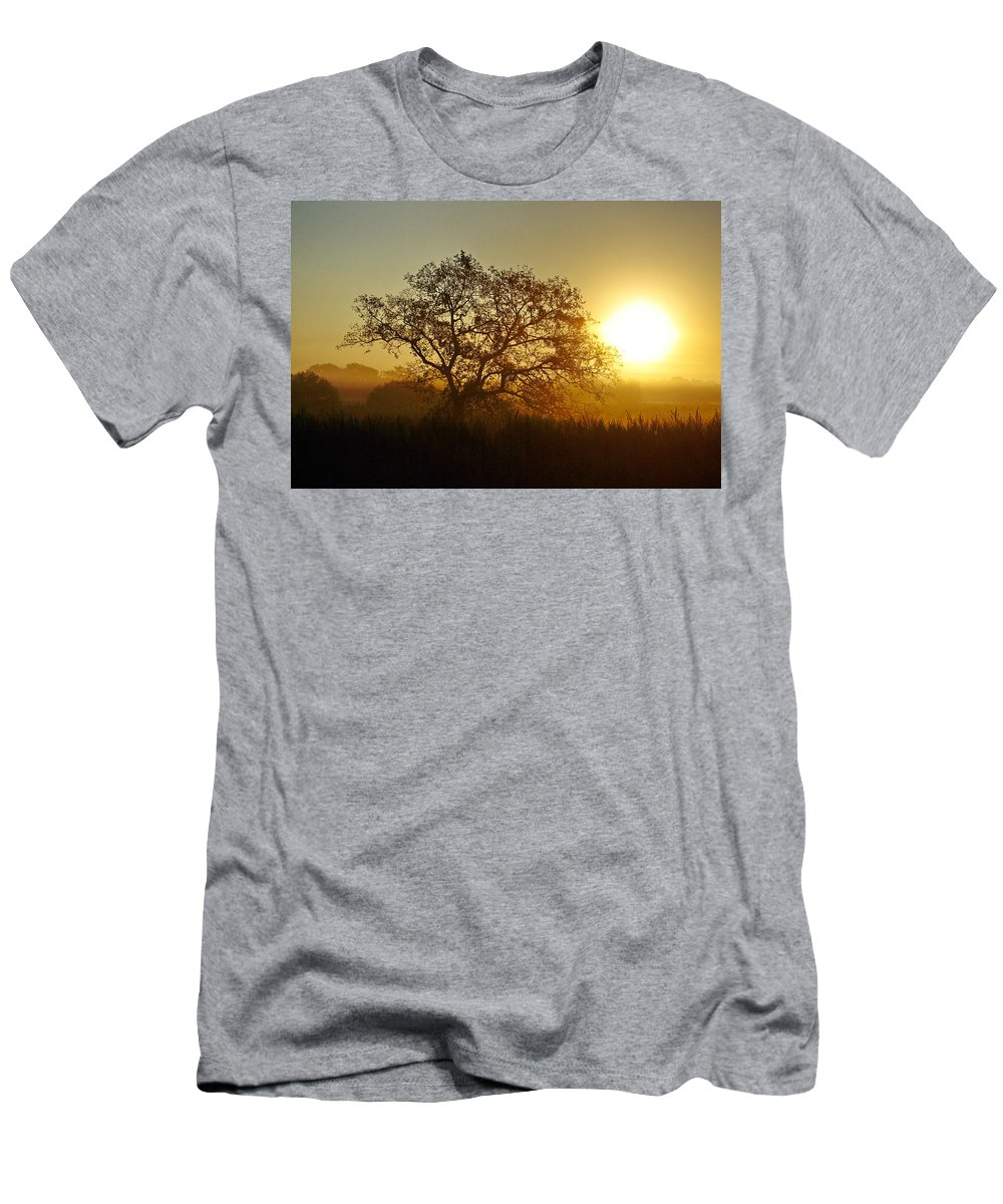 Sunset Men's T-Shirt (Athletic Fit) featuring the photograph Autumn Sunset by Gary Richards