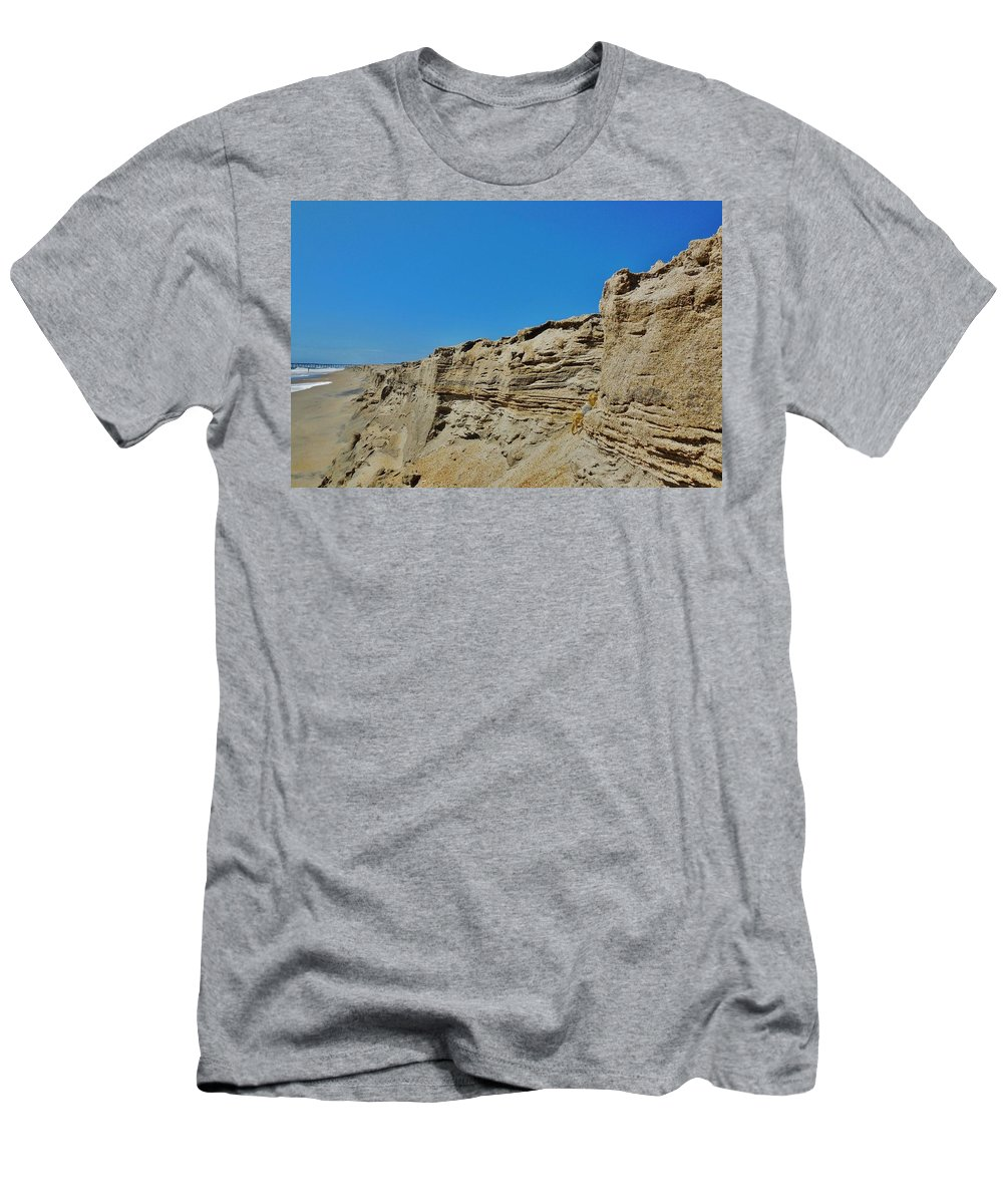 Mark Lemmon Cape Hatteras Nc The Outer Banks Photographer Subjects From Sunrise Men's T-Shirt (Athletic Fit) featuring the photograph Avon Pier Crab On The Dune Cut 8/24 by Mark Lemmon