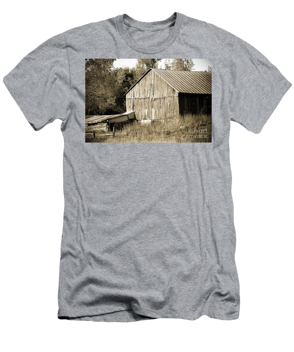 Men's T-Shirt (Athletic Fit) featuring the photograph Barn by Cheryl Baxter