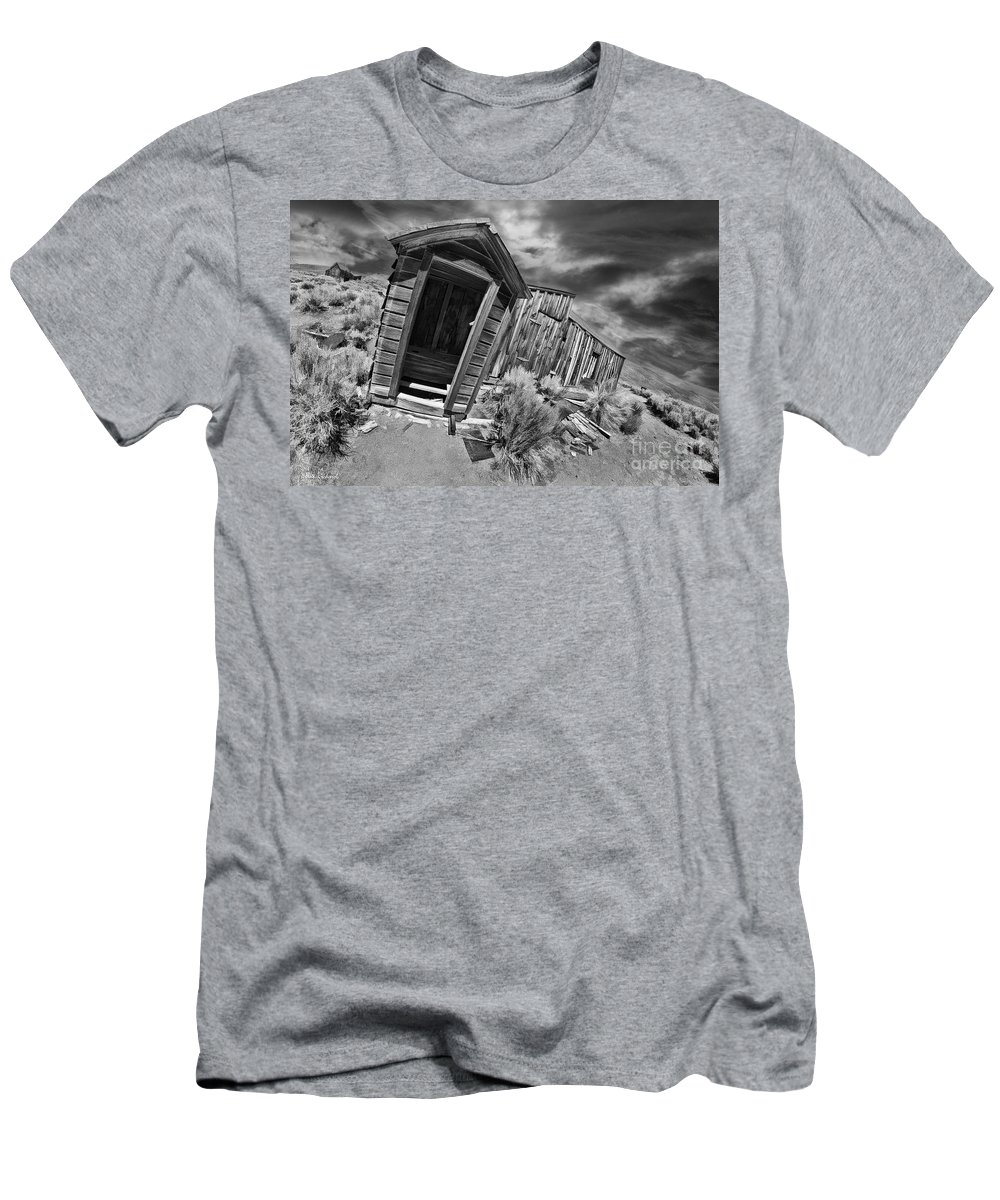 Bodie Men's T-Shirt (Athletic Fit) featuring the photograph Bodie Toilet by Blake Richards