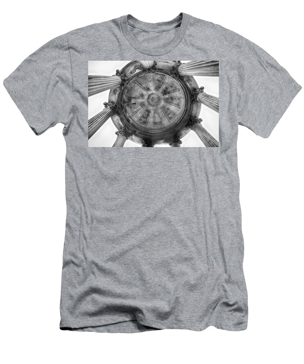 Monument Men's T-Shirt (Athletic Fit) featuring the photograph Burns Monument by Eunice Gibb