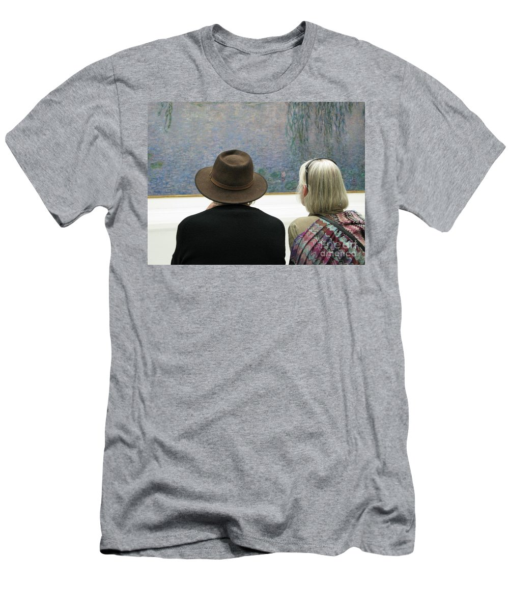 People Men's T-Shirt (Athletic Fit) featuring the photograph Contemplating Art by Ann Horn