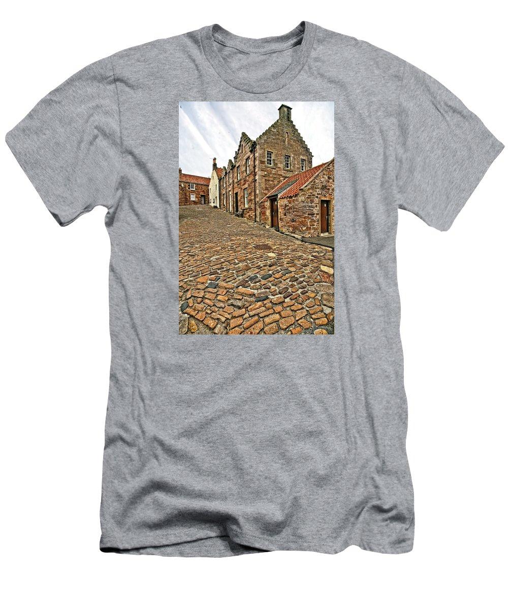 Landscape Men's T-Shirt (Athletic Fit) featuring the photograph Crail Scotland by Marcia Colelli