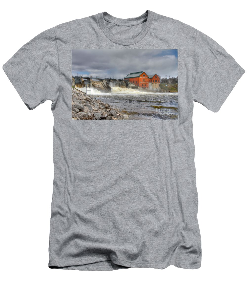 Croton Dam Men's T-Shirt (Athletic Fit) featuring the photograph Croton Dam by Robert Pearson