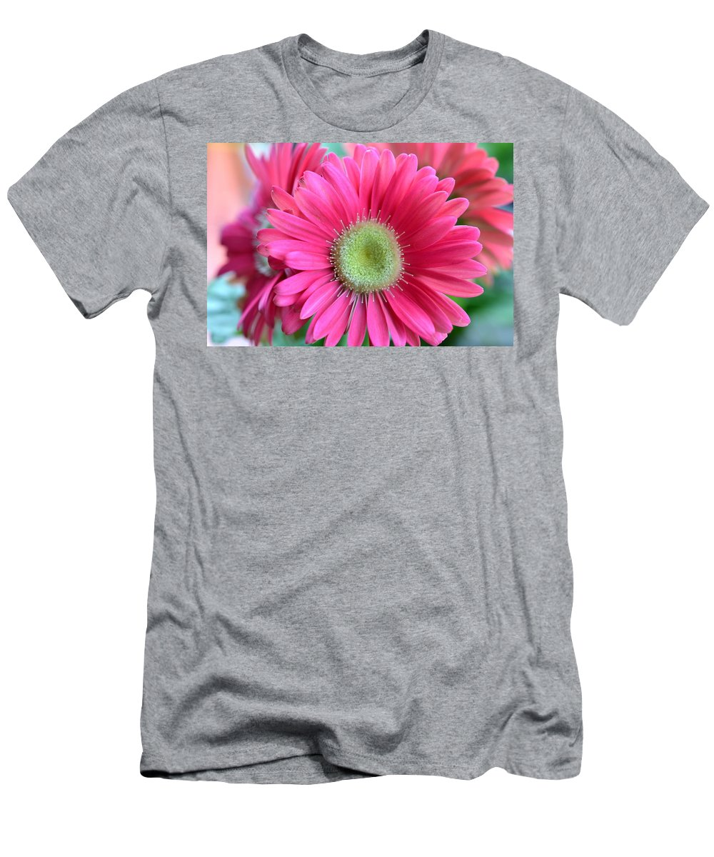 Flower Men's T-Shirt (Athletic Fit) featuring the photograph Dsc0020d by Kimberlie Gerner
