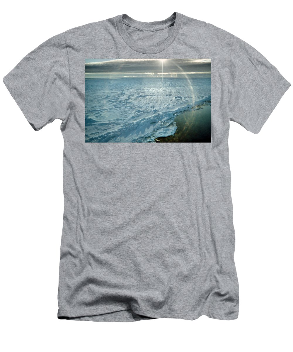 Polar Region Men's T-Shirt (Athletic Fit) featuring the photograph Due South 1.30am Ross Sea by Carole-Anne Fooks