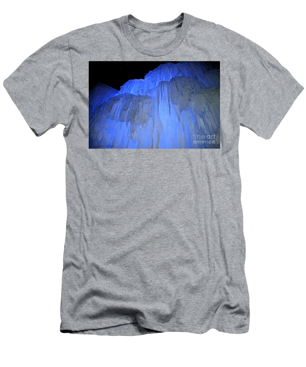 Ice Men's T-Shirt (Athletic Fit) featuring the photograph Elevated Blue by Susan Herber