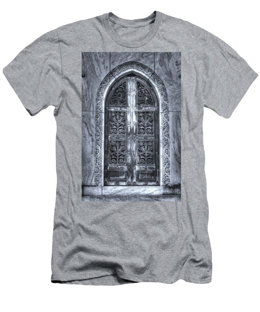 'heaven's Gate' Men's T-Shirt (Athletic Fit) featuring the photograph Heaven's Gate Bw by Shannon Louder