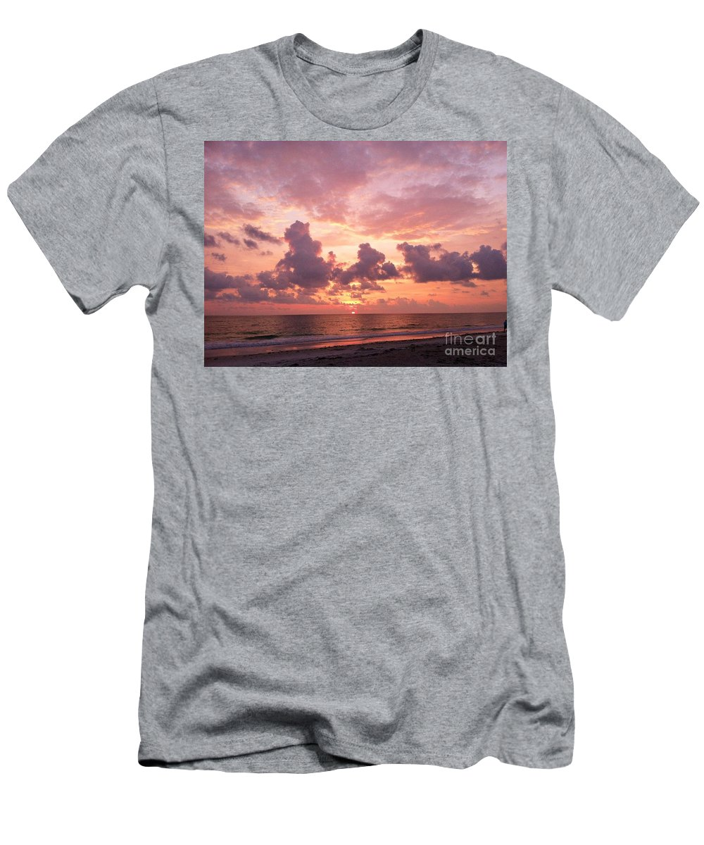 Heaven Men's T-Shirt (Athletic Fit) featuring the photograph Heavens Glow by Melissa Darnell Glowacki