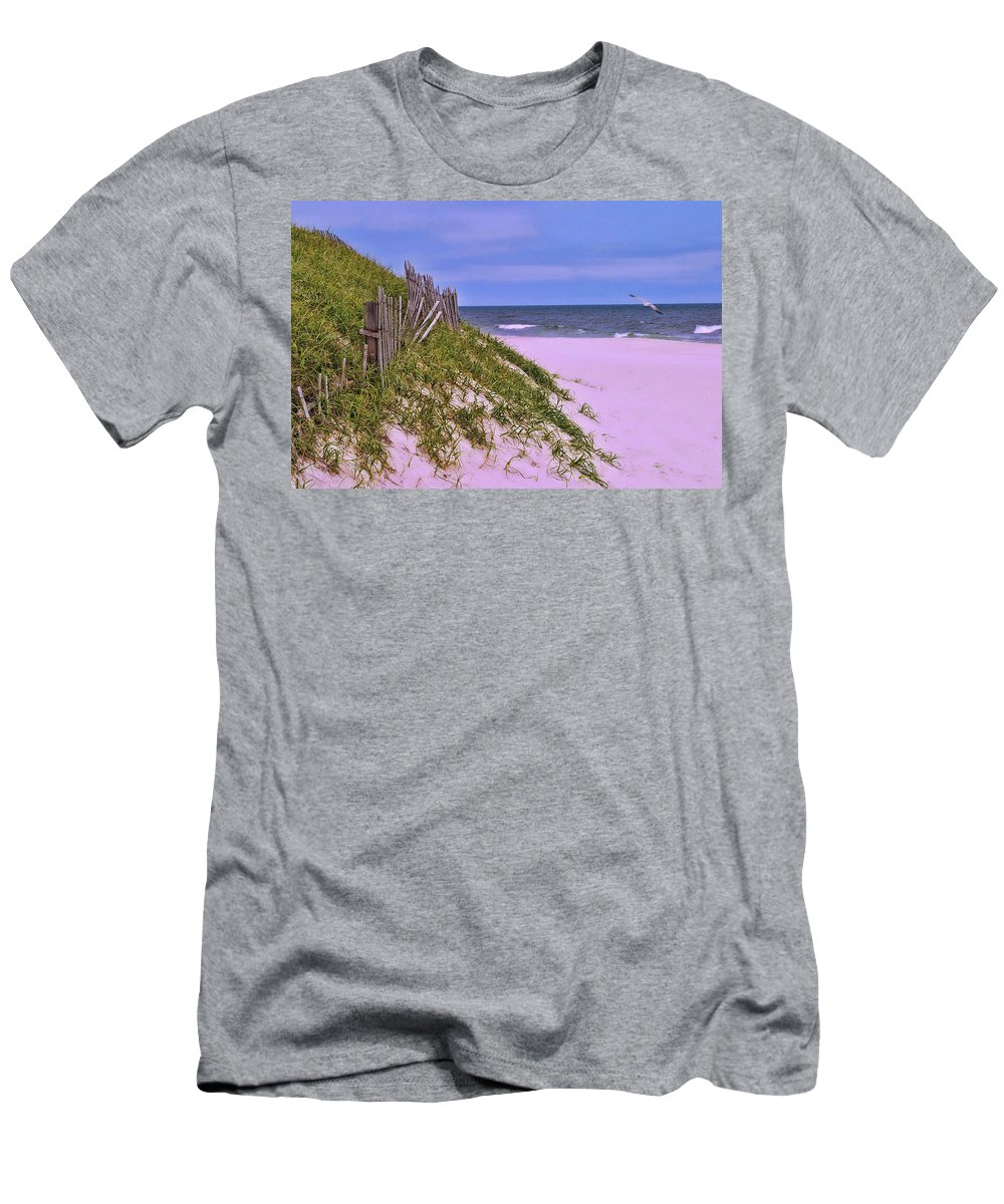 Ocean City Men's T-Shirt (Athletic Fit) featuring the photograph Jersey Shore 11 by Allen Beatty