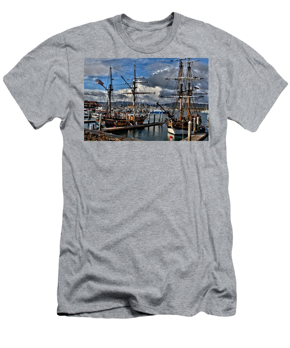 Tall Ships Men's T-Shirt (Athletic Fit) featuring the photograph Lady Washington - Hawiian Chieftain by Michael Gordon