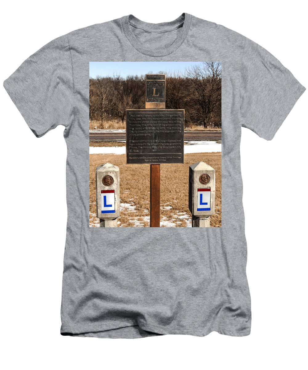 Lincoln Highway Men's T-Shirt (Athletic Fit) featuring the photograph Lincoln Highway Marker by Edward Peterson