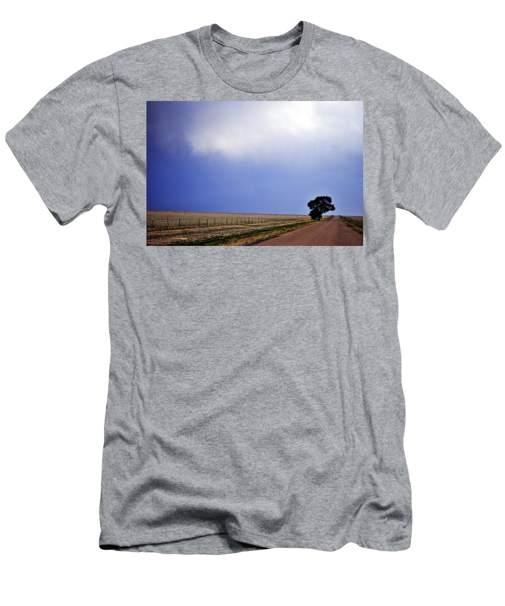 Landscape Men's T-Shirt (Athletic Fit) featuring the photograph Lone Tree by Pam Romjue
