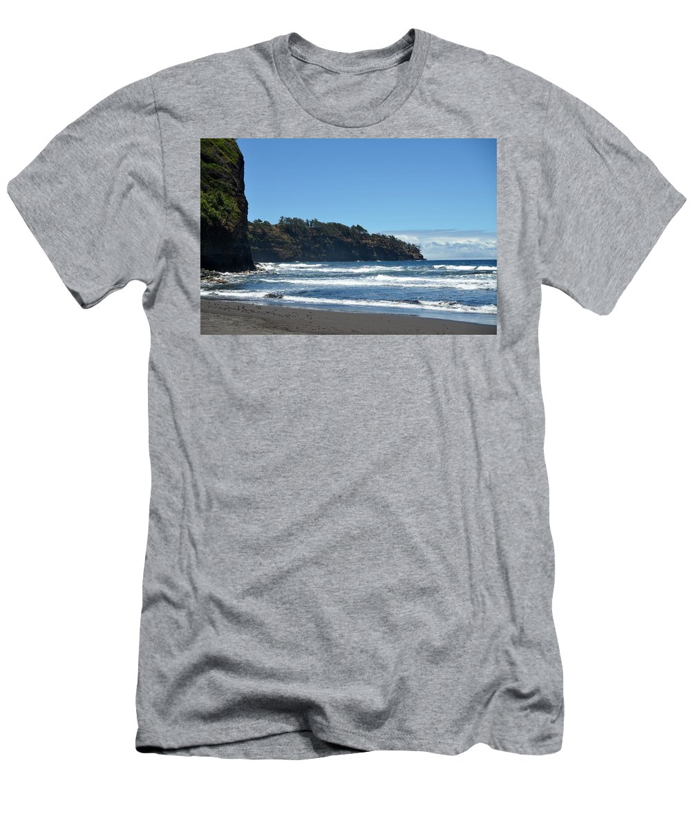 Kona Men's T-Shirt (Athletic Fit) featuring the photograph North Kona Coastline 1 by Amy Fose