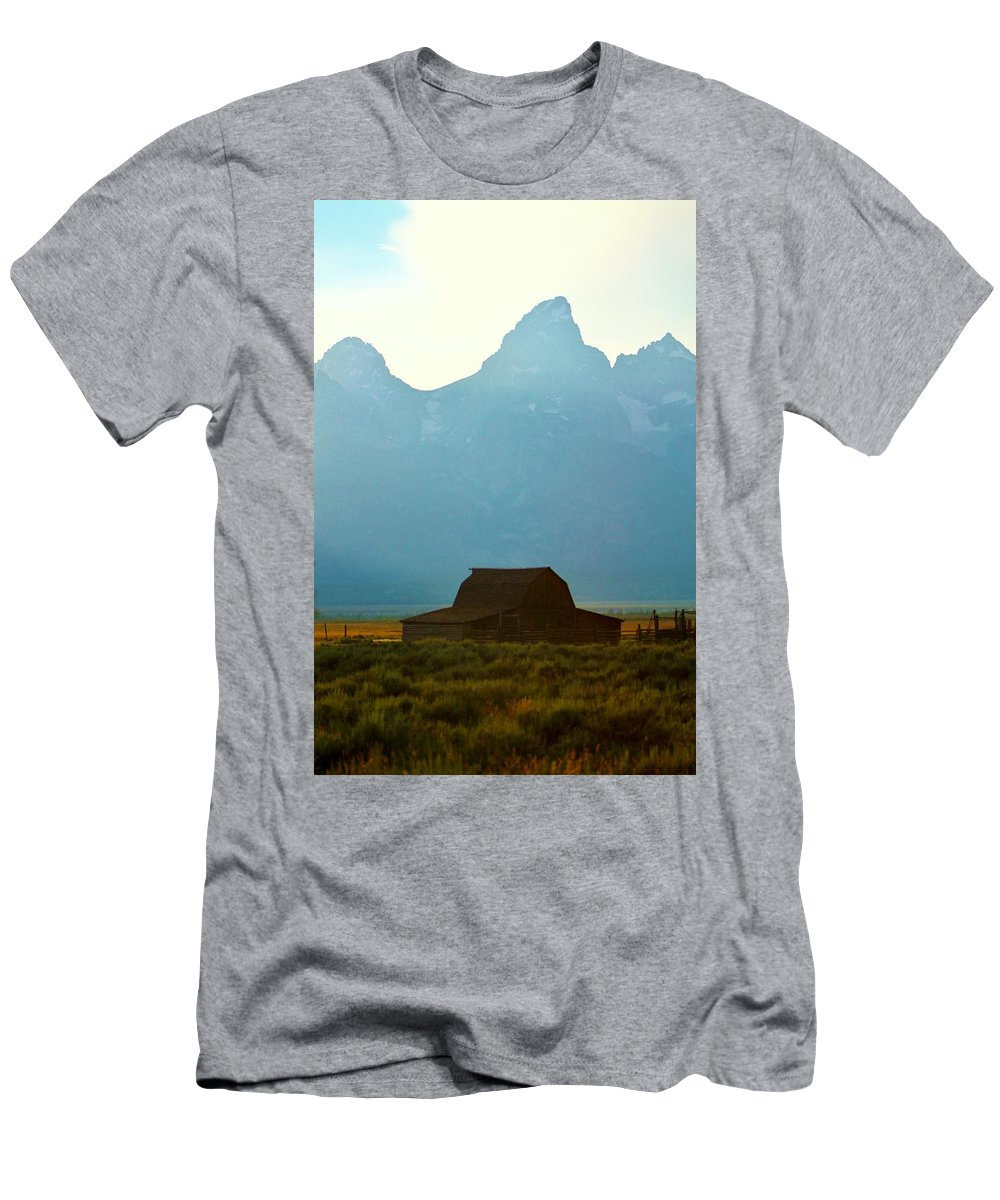 Barn Men's T-Shirt (Athletic Fit) featuring the photograph Old Barn by Catie Canetti