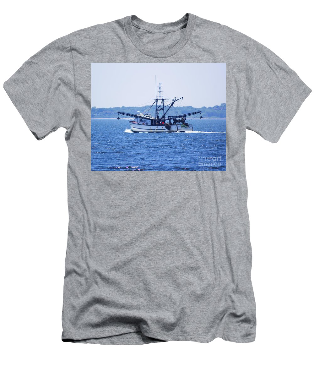 Commercial Men's T-Shirt (Athletic Fit) featuring the photograph Outbound by Joe Geraci