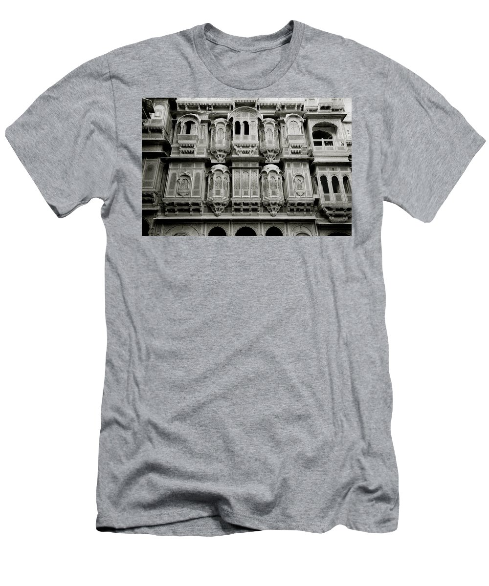 India Men's T-Shirt (Athletic Fit) featuring the photograph Patwon Ki Haveli by Shaun Higson