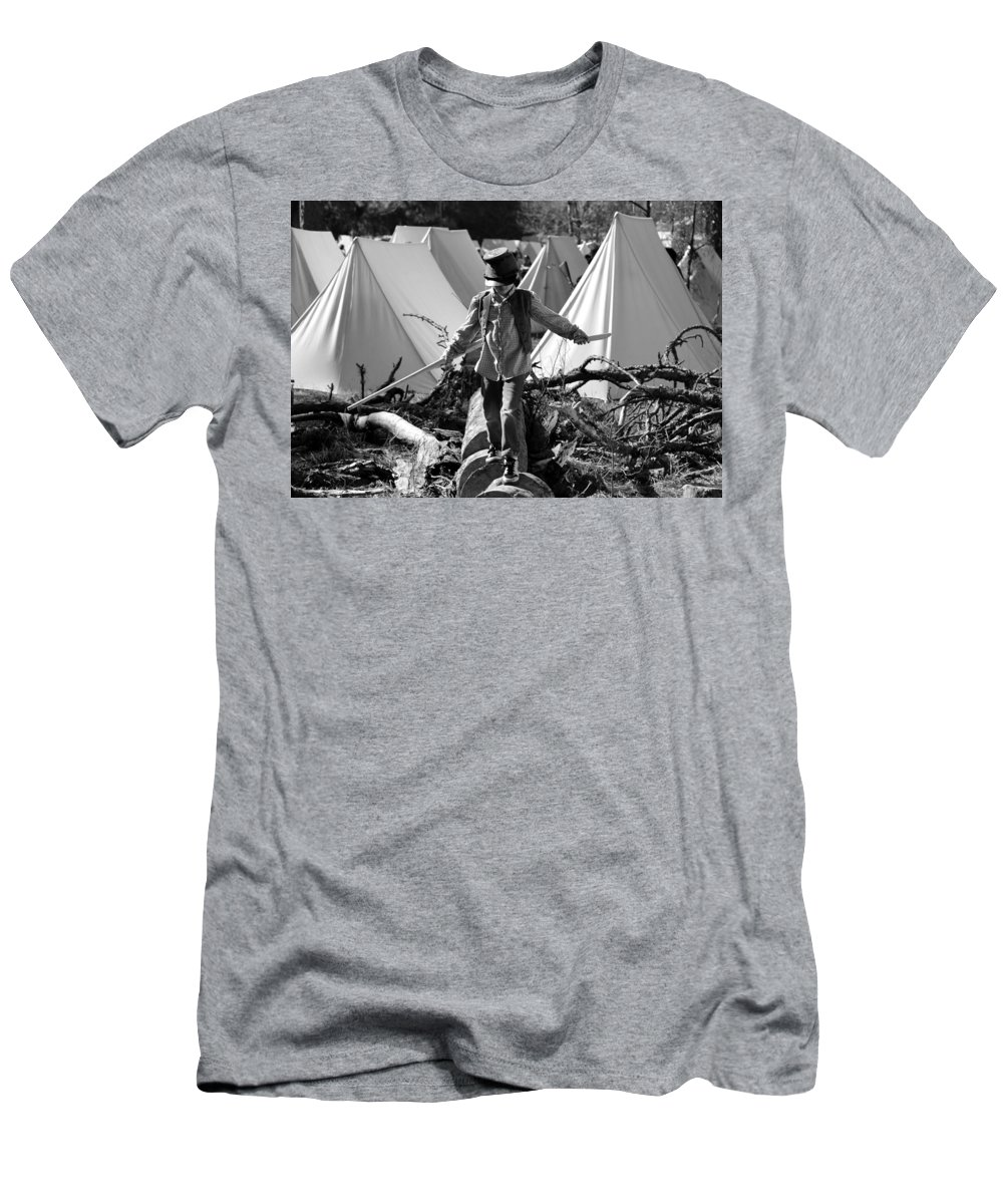 Playing Men's T-Shirt (Athletic Fit) featuring the photograph Playing At War by David Lee Thompson