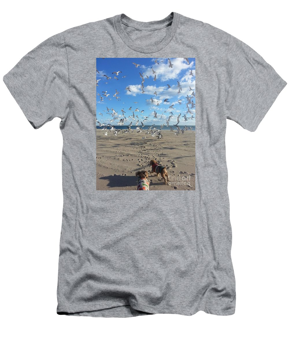Quick Fly Away Men's T-Shirt (Athletic Fit) featuring the photograph Quick Fly Away by John Telfer