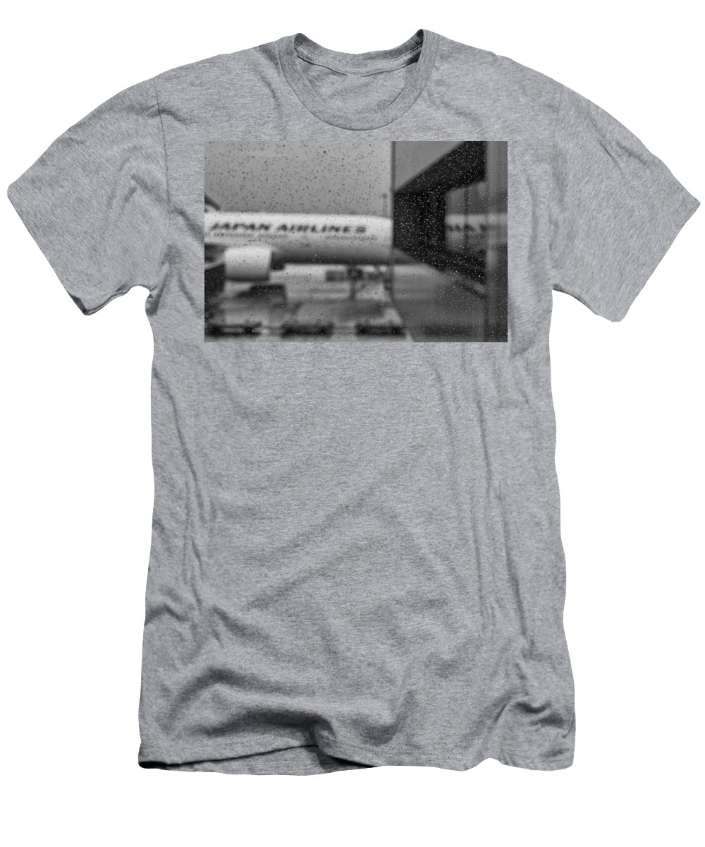 Tokyo Men's T-Shirt (Athletic Fit) featuring the photograph Rain Drops In Tokyo by Miguel Winterpacht
