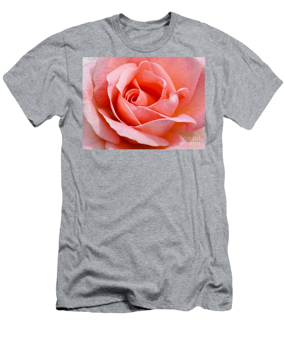 Rosa Men's T-Shirt (Athletic Fit) featuring the photograph Rosa Summer Lady by Lana Enderle
