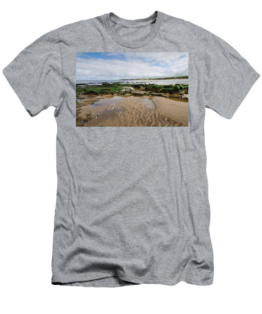 Architecture Men's T-Shirt (Athletic Fit) featuring the photograph Sands Of Whitley Bay by David Head