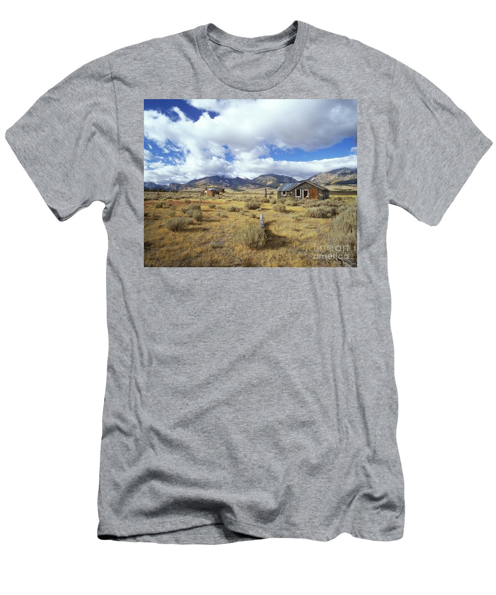 Shack Men's T-Shirt (Athletic Fit) featuring the photograph Shacks On 395 by Jim And Emily Bush