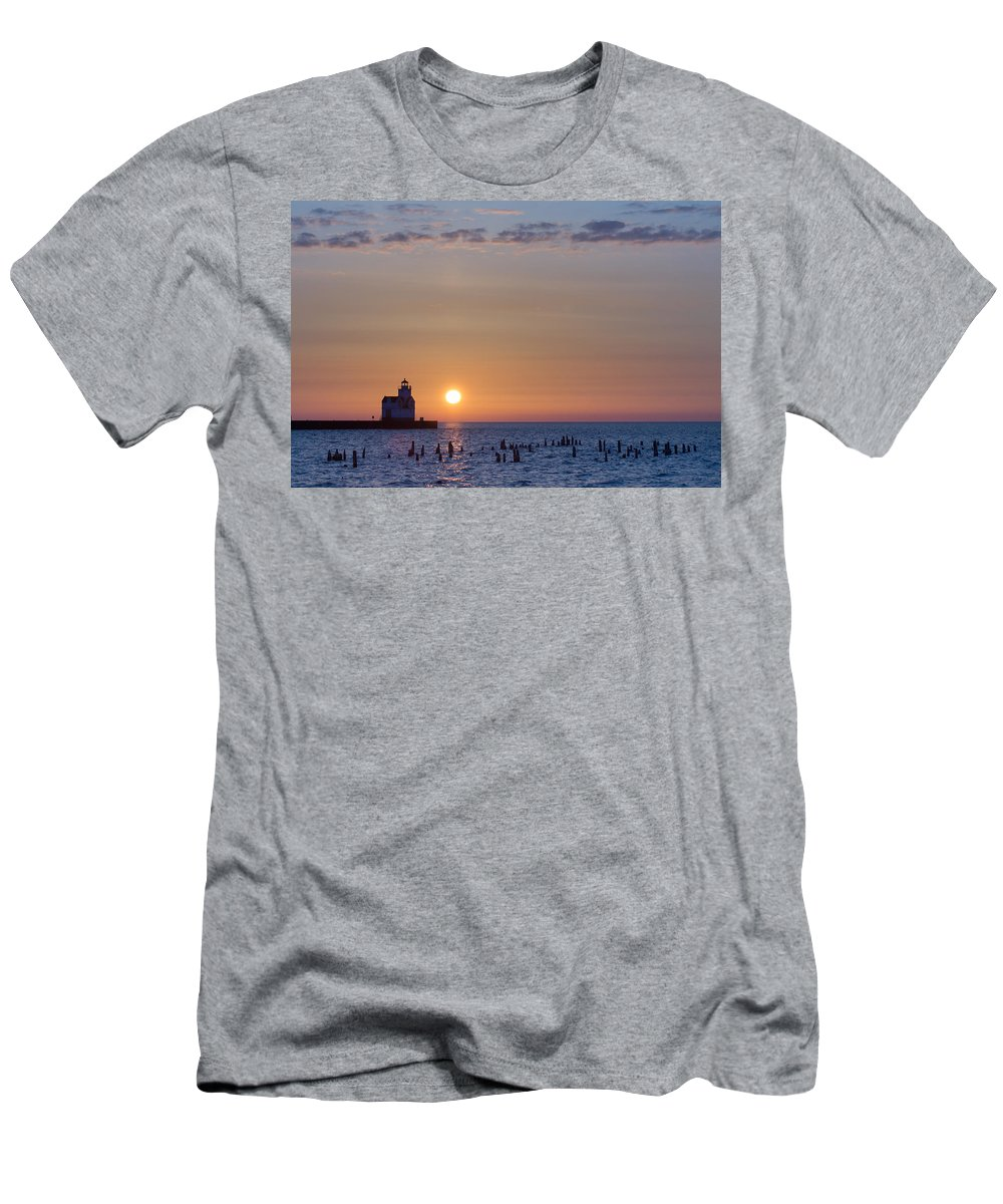Lighthouse Men's T-Shirt (Athletic Fit) featuring the photograph Simple Start by Bill Pevlor