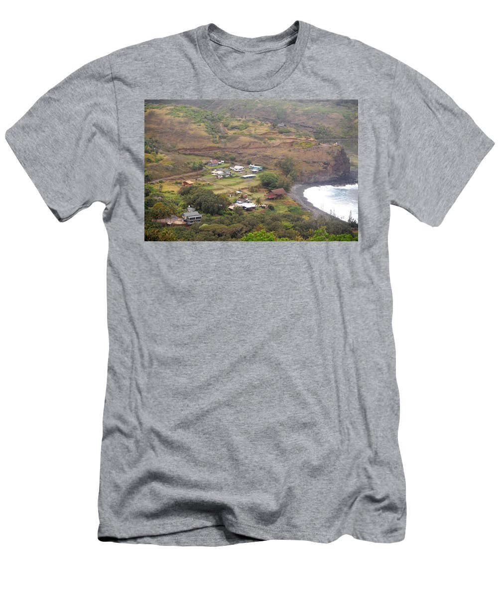 Maui Men's T-Shirt (Athletic Fit) featuring the photograph Small North Maui Town by Amy Fose