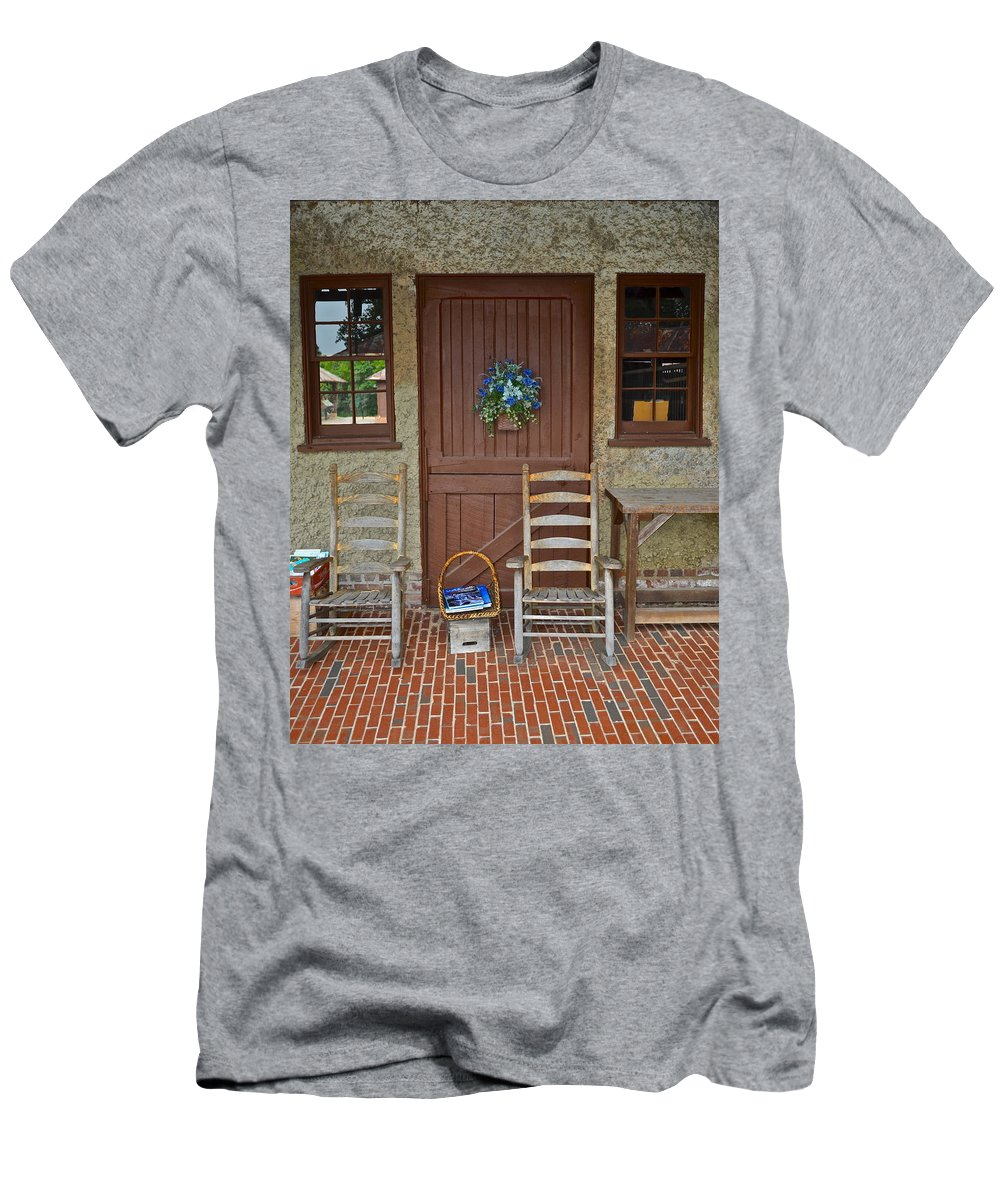 Charm Men's T-Shirt (Athletic Fit) featuring the photograph Southern Charm by Frozen in Time Fine Art Photography